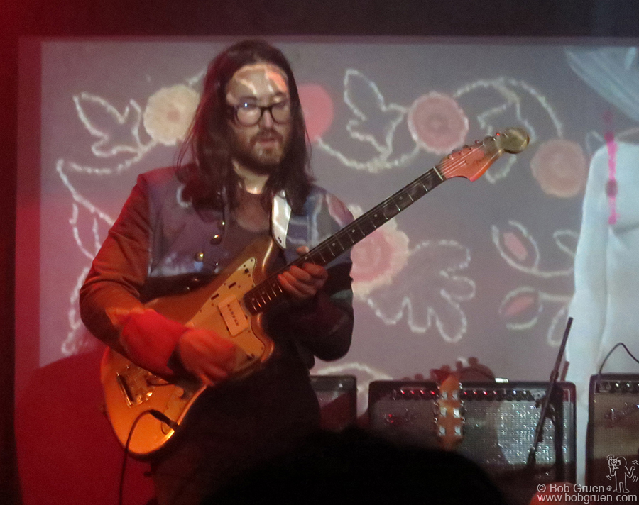 Jan 31 - NYC - Sean Lennon played a very eclectic set at Santos Party house.