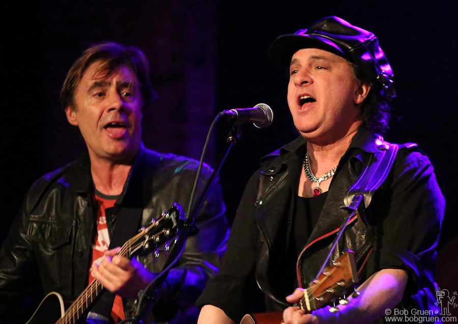 April 1 - NYC - Glen Matlock & Syl Sylvain brought their acoustic tour to the City Winery...a great night of Sex Pistols and New York Dolls songs by the originators.