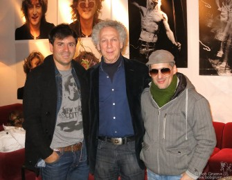 June 14- Buenos Aires - Sebastian Alderete and Dario Lanis were the organizers who made all the connections for a big exhibition of my John Lennon photos at the Centro Cultural Recoleta Gallery.