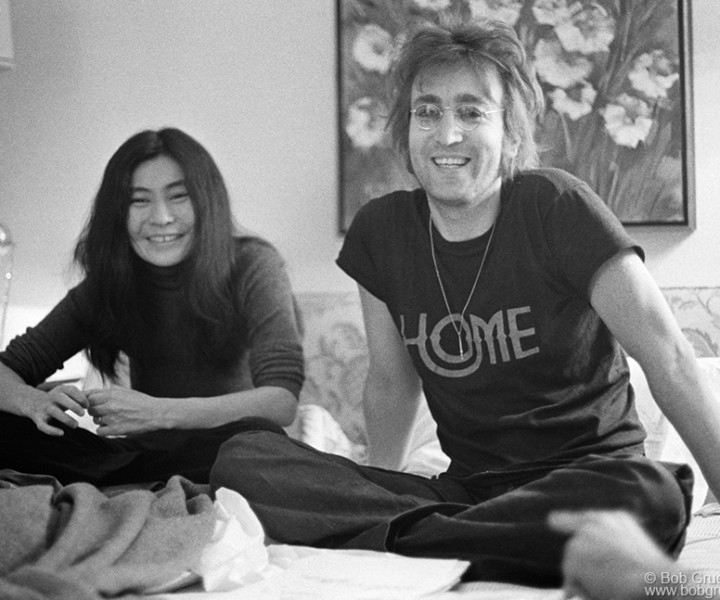 John Lennon and Yoko Ono, St. Moritz Hotel, NYC. 1972. <P>Image #: R-12  © Bob Gruen