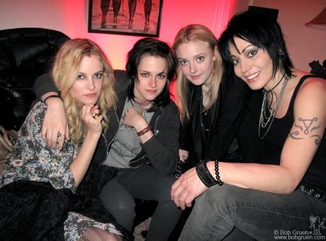 Riley Keough, Kristen Stewart, Dakota Fanning & Joan Jett, UT - 2010