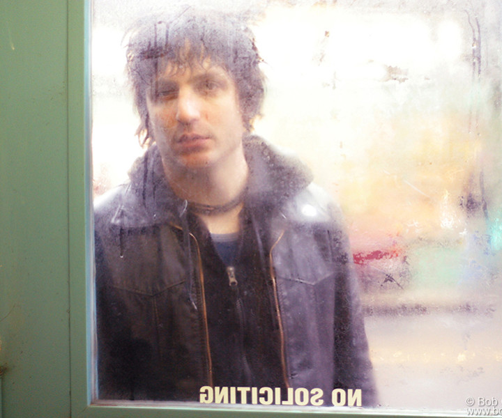 Jesse Malin, NYC. April 13, 2004. <P>Image #: C-79  © Bob Gruen