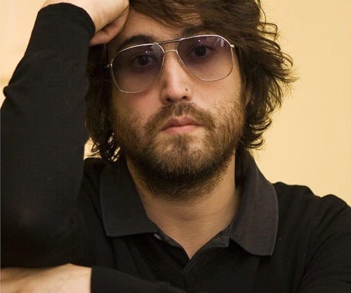 Sean Lennon, Living Room, NYC. October 29, 2006. <P>Image #: C-80  © Bob Gruen