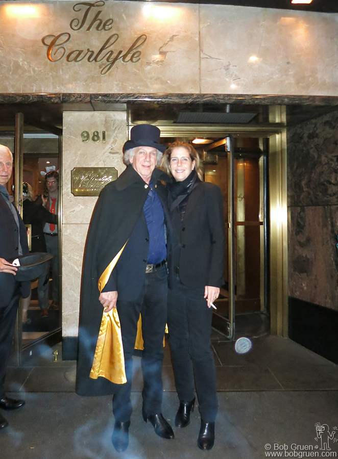 Oct 31 - NYC - For Halloween we went to see David Johansen do his Buster Poindexter show uptown at the Carlyle.