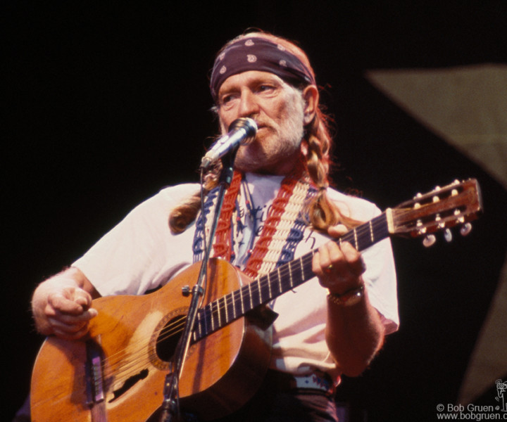 Willie Nelson, Radio City Music Hall, NYC. May 1984. <P>Image #: C-322 © Bob Gruen
