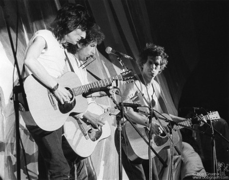 Ronnie Wood, Bob Dylan & Keith Richards, PA - 1985