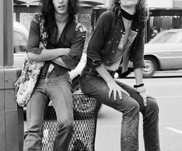 Johnny Thunders and David Johansen, Los Angeles, CA. September 1973. <P>Image #: R-342  © Bob Gruen
