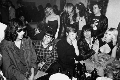 Joey Ramone, Linda Stein, David Bowie, Dee Dee Ramone, Danny Fields & Vera Ramone, NYC - 1979