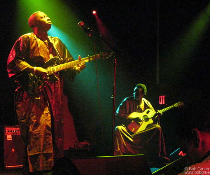 Vieux Farka Toure, The Highline Ballroom, NYC. August 1, 2007. <P>Image #: C-316 © Bob Gruen
