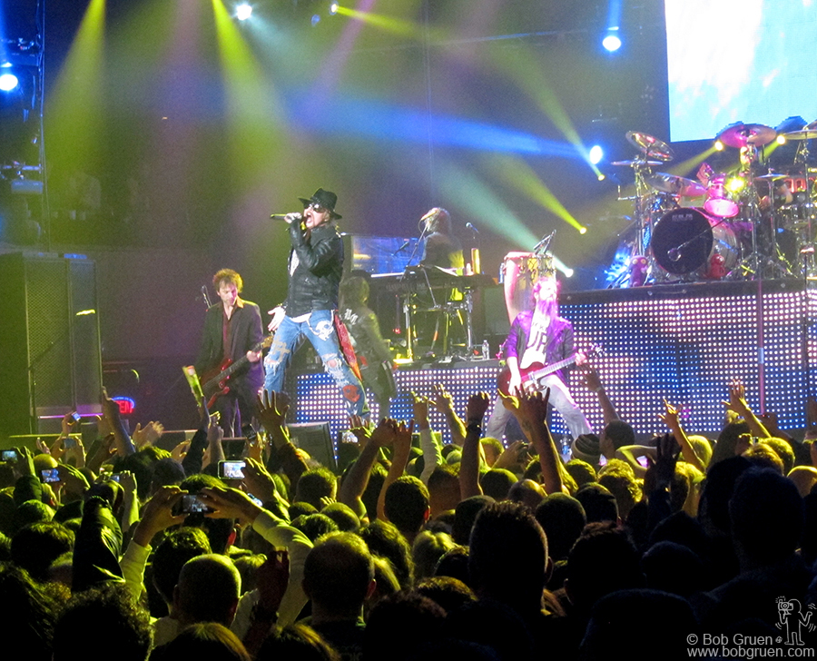 Feb 10 - NYC - Guns N' Roses at Roseland featured an ontime (!) Axl Rose fronting a hot set of favorites.