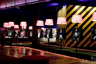 In the middle of the exhibition there is a 'Boulevard' with photos of personalities mounted on individual stands.