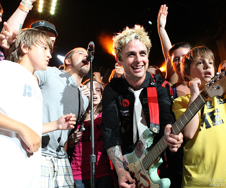 For one song Billie Joe called for all the fans to come onstage and dance along.