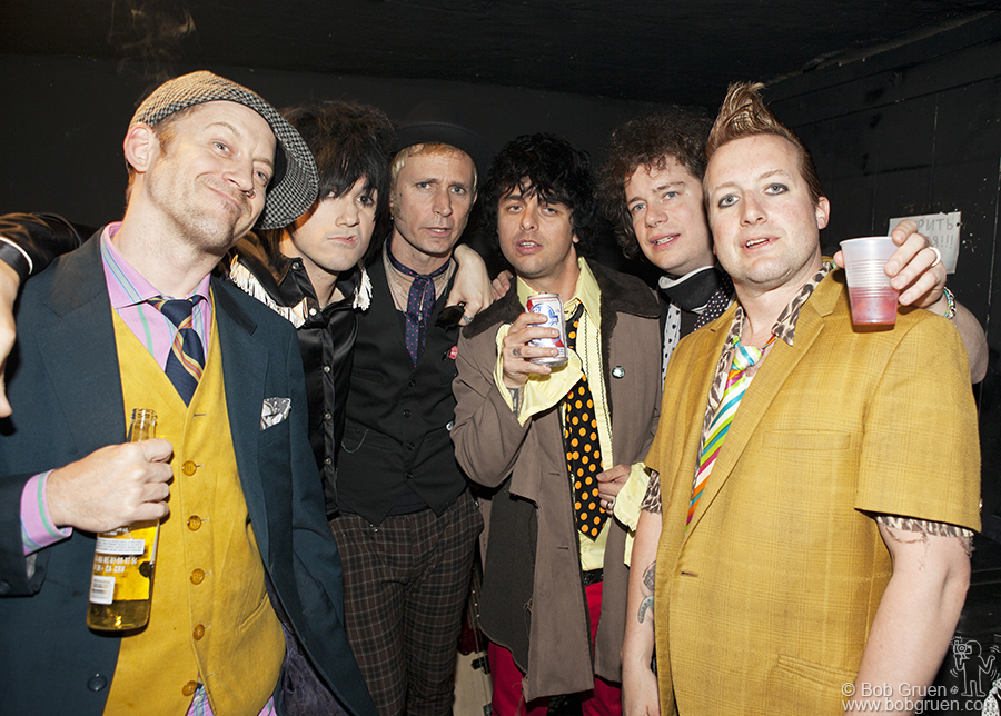 April 23 - NYC - One photo as Foxboro Hot Tubs head to the Don Hill stage.