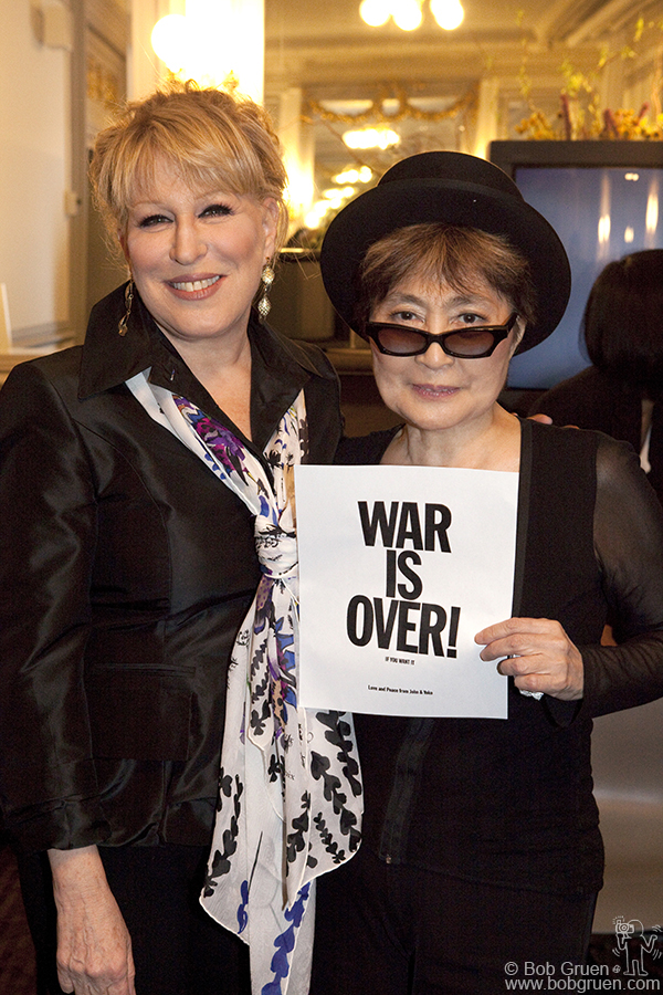 Bette Midler joined Yoko's show to sing 'I'm Your Angel' from Yoko's 1973 album ' Approximately Infinite Universe'. Also apearing in the show were Paul Simon and his son Harper, the Scissor Sisters, Sonic Youth and Justin Bond.