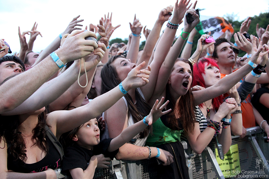 June 23 - Dublin - The fans in Dublin were very energetic and many very young but they knew what they wanted and sang along to all the songs.