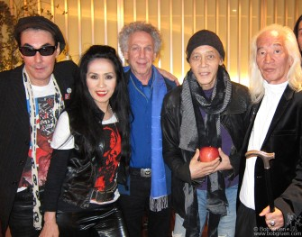 I saw Makoto and Sheena with Joe Yamanaka and Yuya Uchida after their press conference for their annual New Years Eve Rock and Roll Baka show.