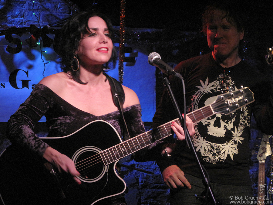 Dec 8 - NYC - Singer/songwriter Jana Peri treated the audience at the Exile on Bowery party to a set of her songs. The party is a monthly reunion of the gang that used to hang out at CBGB.