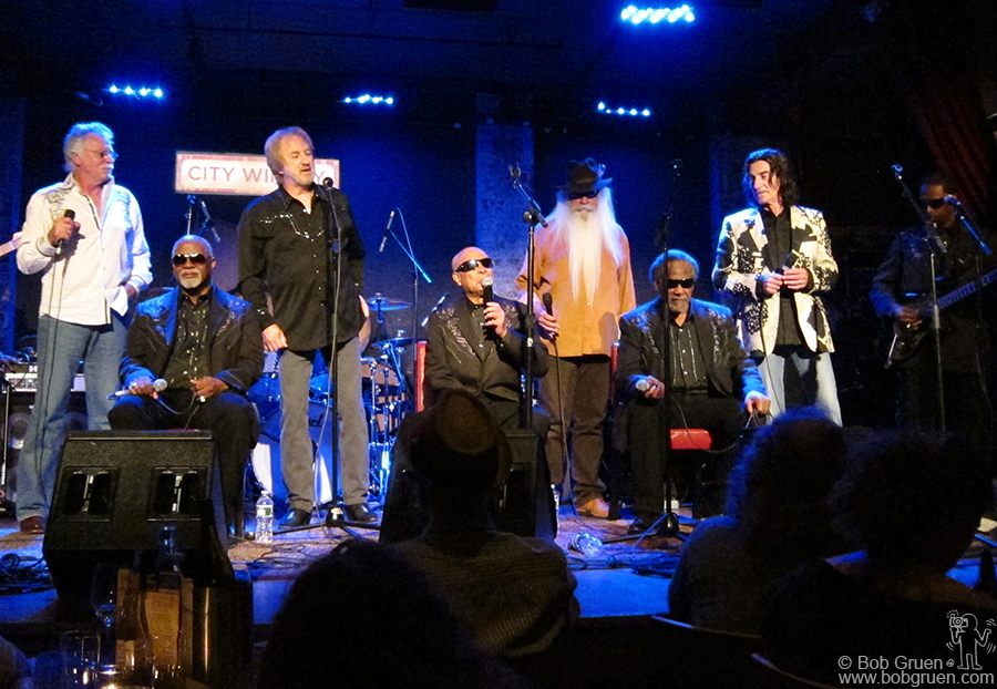 May 10 - NYC - The 5 Blind Boys of Alabama were joined by The Oak Ridge Boys at City Winery.