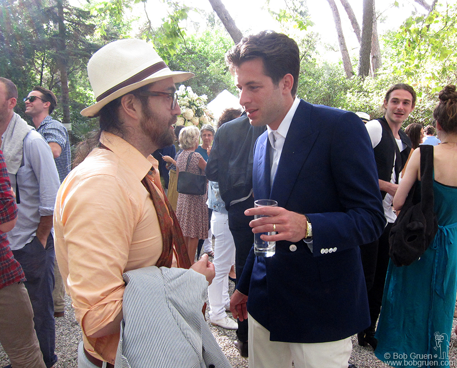 Mark Ronson chats with his best man, Sean Lennon at Mark's wedding reception.