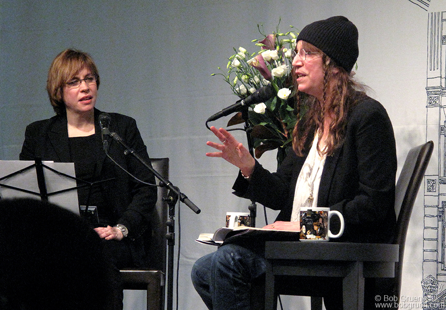 "Jan 19 - NYC - Patti Smith gave a reading of her new book ""Just Kids"" at the Barnes & Noble West 17th Street store. It's a great story of her coming to New York and living with photographer Robert Mapplethorpe when they were both 'just kids'."