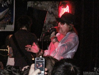 Feb 11 - Axl Rose debuted his new band in New York at the John Varvatos store in the old CBGB space. After keeping the audience waiting a long 2 hours he finally played a very long rockin' set.