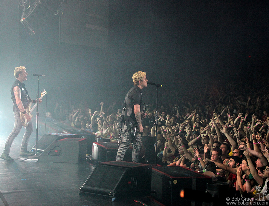 Aug 3 - Camden, NJ - The band kicks it off for the cheering crowd.