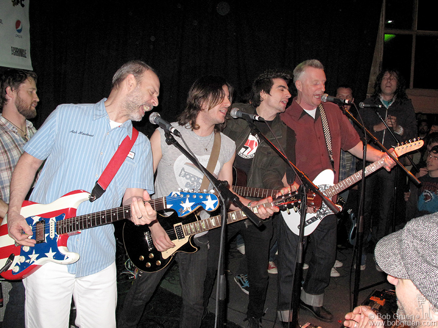 "March 20 - Austin, TX - Wayne Kramer and Billy Bragg played with some local musicians to celebrate their visit to the nearby jail in connection with their charity ""Jail Guitar Doors"", which brings guitars to prisoners."