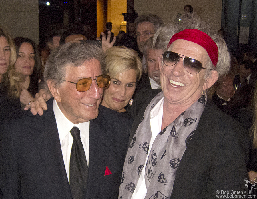 Tony Bennett shares a laugh with Keith Richard at the Norman Mailer Foundation awards ceremony.