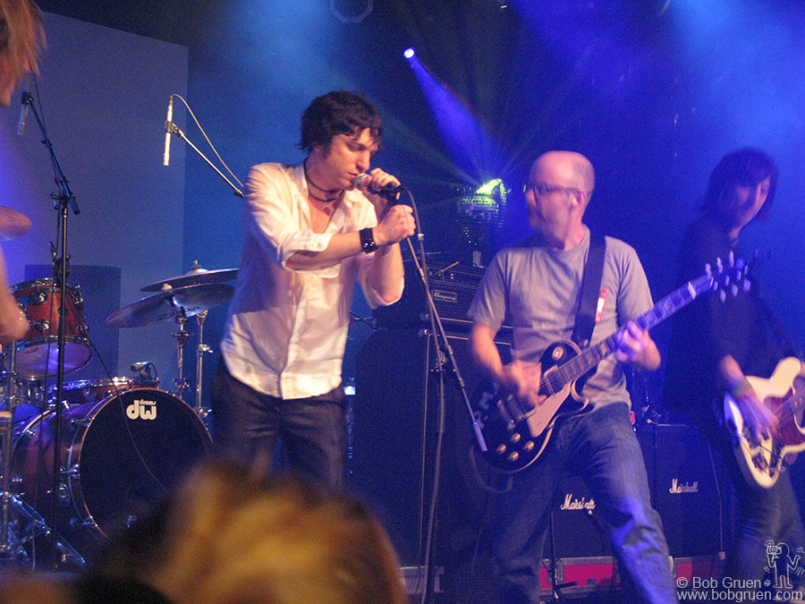 Oct 6 - NYC - Jesse Malin was joined onstage by Moby when he played at a benefit at the Highline.