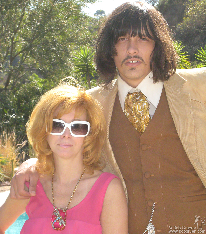 Oct 12 - Los Angeles - Linda Ramone came to the opening with her boyfriend, singer JD King and invited us to her house in the hills. It's so nice and sunny in LA!