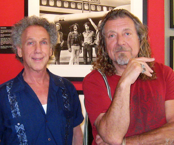 June 12 - NYC - While Robert Plant was in New York he stopped by Bob Gruen's 'Rockers' exhibition at the Morrison Hotel Gallery on the Bowery, and posed for a photo with Bob.