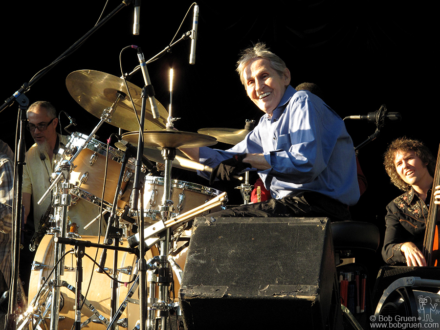 Sept 2 - NYC - Levon Helm showed he has lots of energy at Central Park Summerstage.