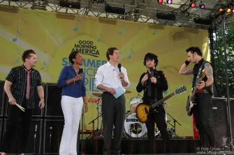 Tre Cool, Robin Roberts, Chris Cuomo, Billie Joe Armstrong & Mike Dirnt, NYC - 2009