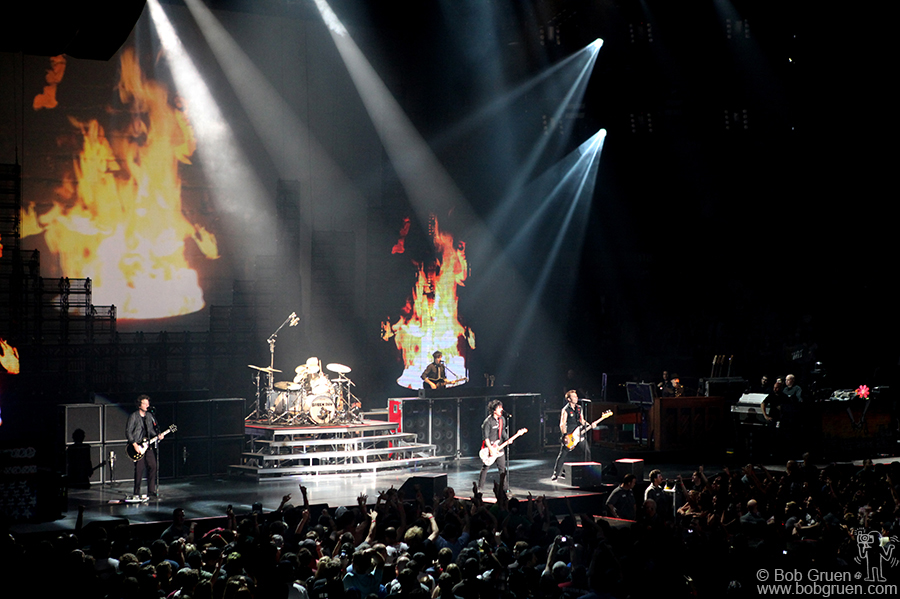 Green Day is hot!