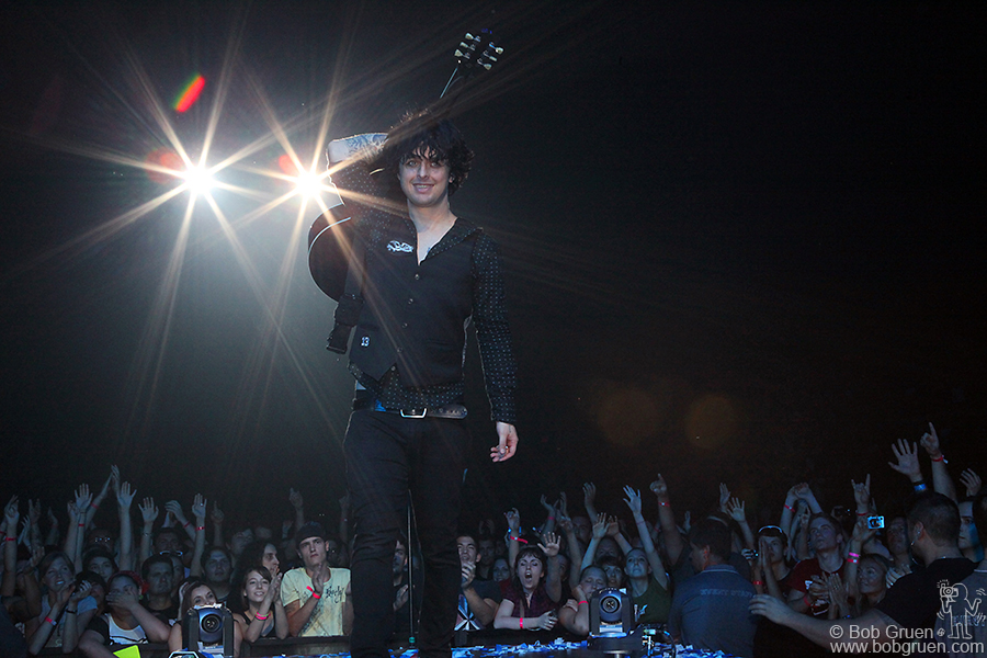 A smiling Billie Joe at the end of the first show.