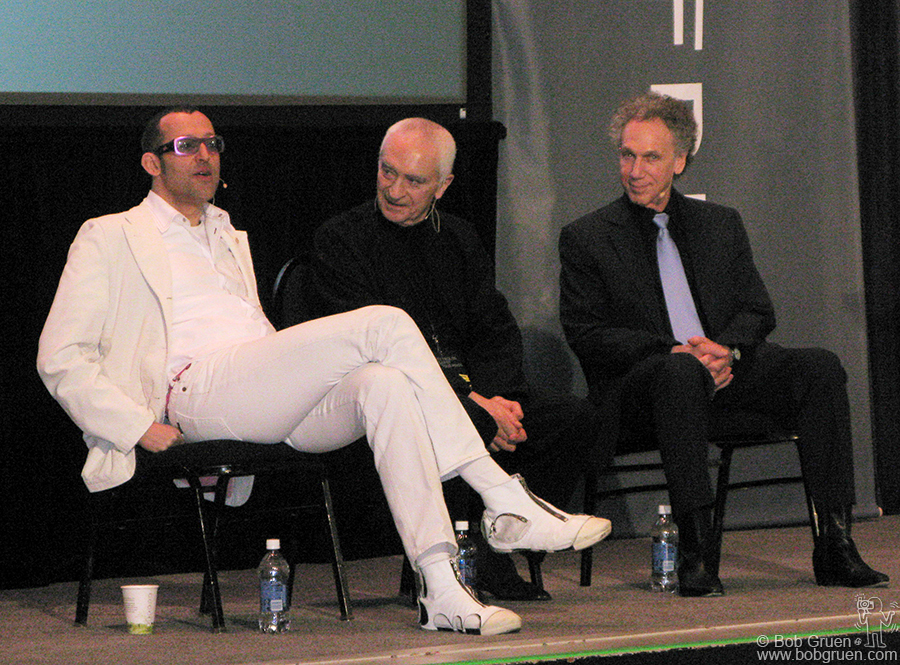 May 13 - Chicago - Karim Rashid, Massimo Vignelli & Bob Gruen were among the featured speakers at the Gravity Free convention in Chicago, an amazing meeting of designers held at the Chicago Museum of Science and Industry.