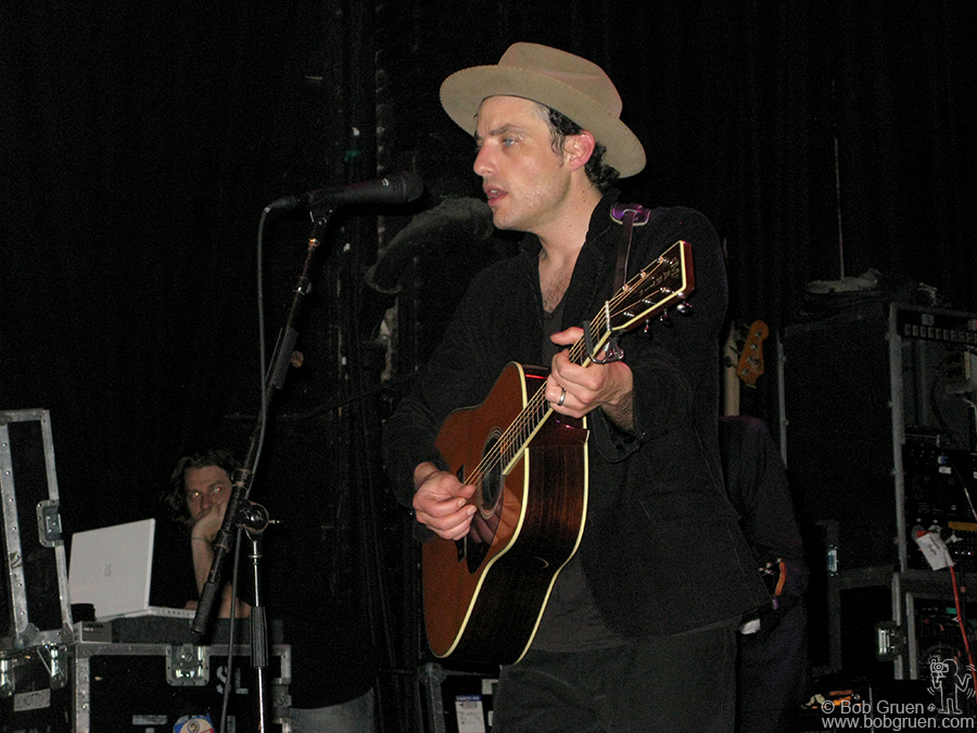 June 10 - NYC - Jakob Dylan at the Blender Theater played songs from his great new album 'Seeing Things'.