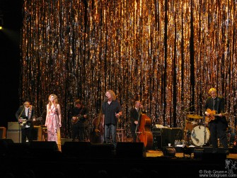June 11 - Alison Krauss & Robert Plant's amazing album, 'Rising Sand' produced by T-Bone Burnett, was presented live at the WaMu Theater. The show was flawless!