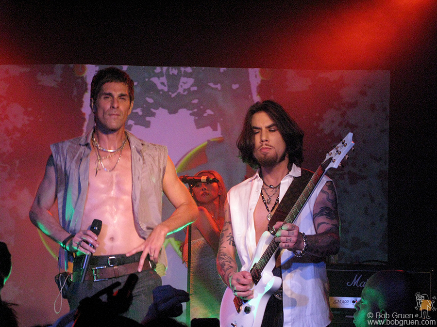 Sept 10 - NYC - Perry Farrell & Dave Navarro play at a party in the new John Varvatos store in the former CBGB space. For a clothes store, this place rocks!