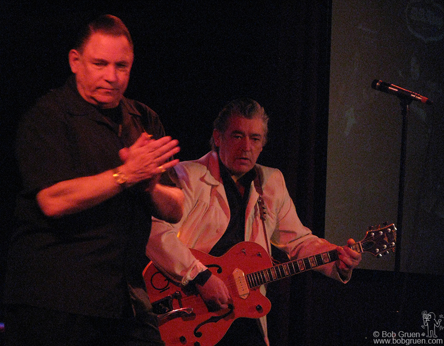 Jan 7 - NYC - Robert Gordon and Chris Spedding started the year with a show at B.B . King's Club in Times Square. Robert has one of the strongest voices and with Chris backing him he's at his best.