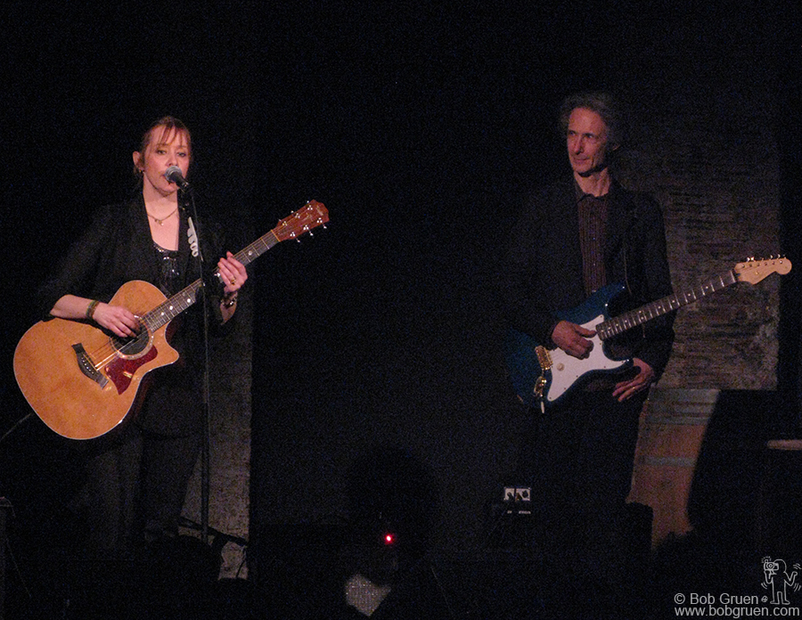 Jan 15 - NYC - Suzanne Vega appeared at the new club, City Winery with old friend and producer Lenny Kaye.