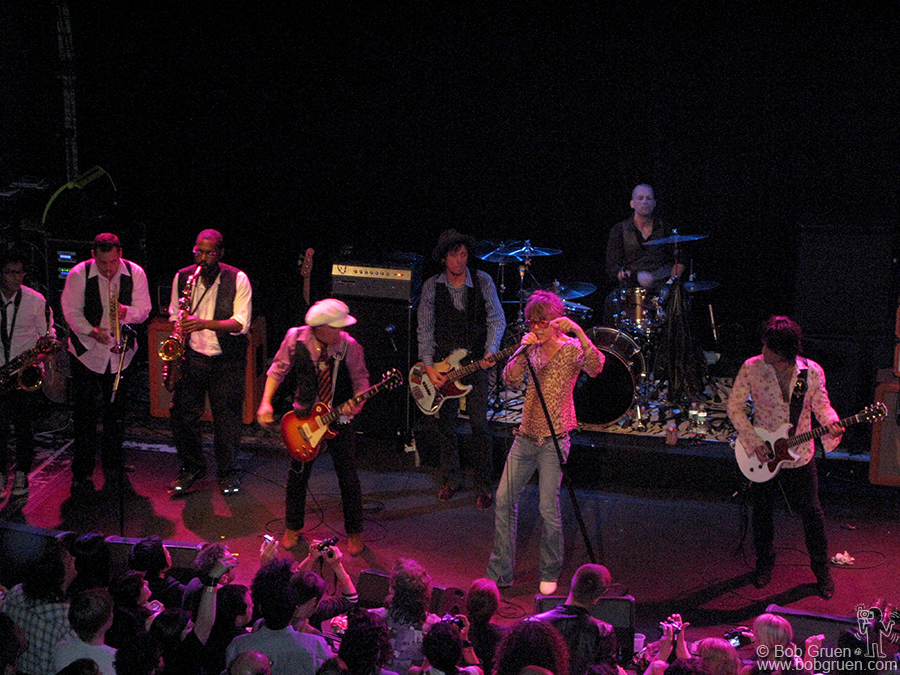 June 22 - Brooklyn - The New York Dolls continued their long-running tour at Music Hall of Williamsburg.