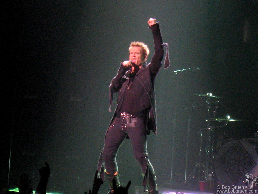 Aug 26 - NYC - Billy Idol rocked the night away at the Hammerstein Ballroom.