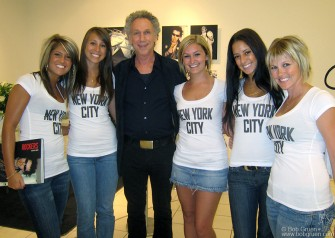 September 4 - Bob Gruen got a fantastic welcome from the Liss Gallery in Toronto when he had a book signing event at the Bay on Bloor department store.