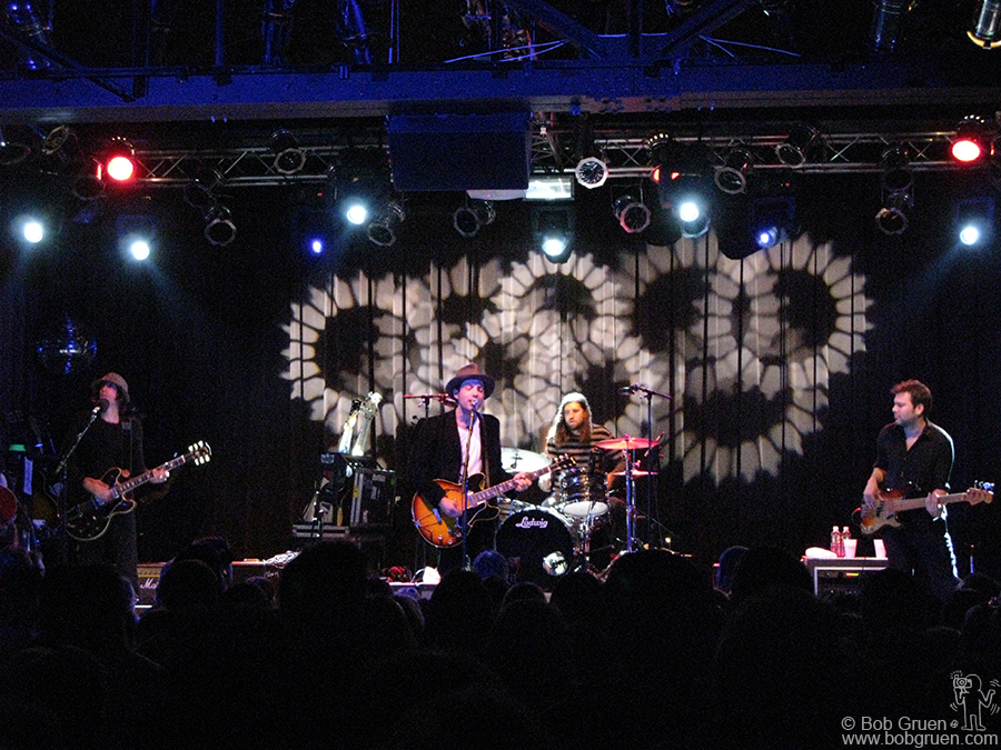 Oct 22 - NYC - The Wallflowers played a moving show at the Highline Ballroom.