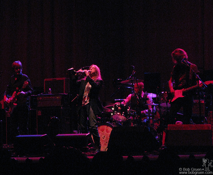 Oct 30 - NYC - Patti Smith Group opened for the Black Crowes at the United Palace Theatre in New York.