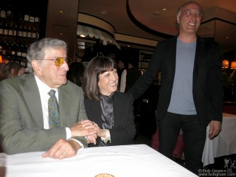 "April 22 - NYC - Tony Bennett joined Lisa Robinson during her ""There Goes Gravity"" book release party at the Monkey Bar."
