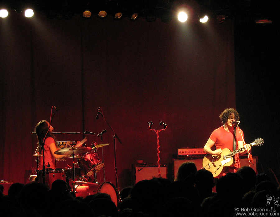 June 19 - NYC - The White Stripes played a great show at Fillmore NYC @ Irving Plaza the same day as their new album 'Icky Thump' came out. It was cool for their fans to see them in the relatively small space.