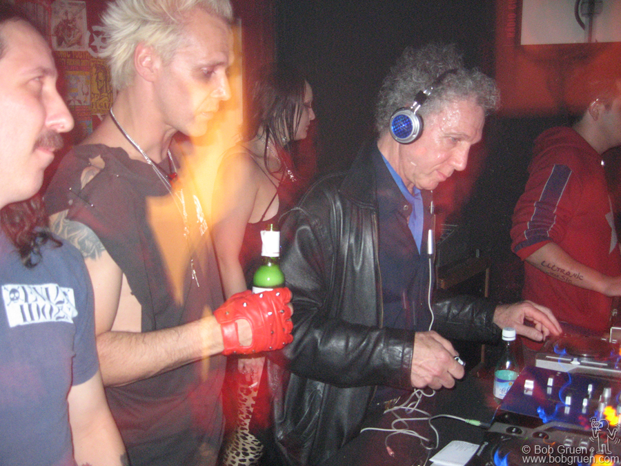 June 29 - Sao Paulo - While I was in Sao Paulo, I got to be a guest DJ again, this time at the popular CB club. My friend Supla watched me and told me I was pretty good.