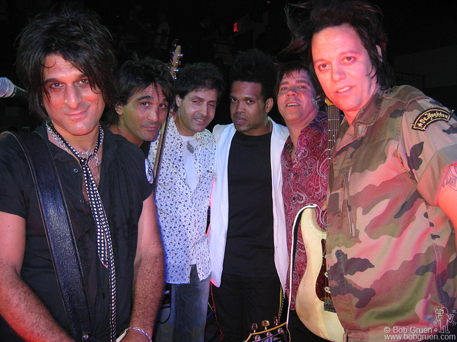 The jam party closed with a group including NY Doll Steve Conte and his brother John, Chris Palmaro, Charley Drayton with Andy Hilfiger and his brother Michael H.